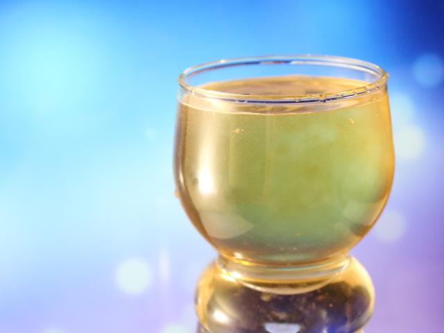 图 2. 不透明玻璃杯