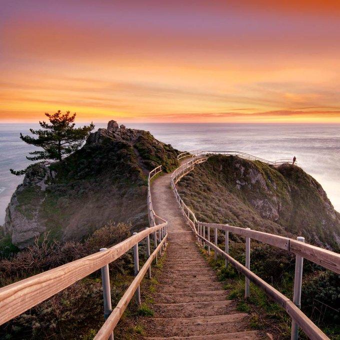 Peaceful sunrise over the ocean