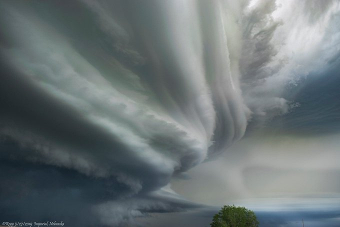 Striations of a supercell in Nebraska on May 27