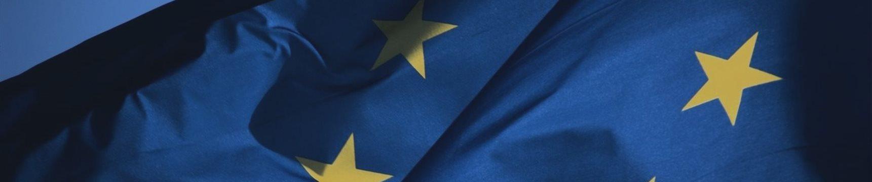 El euro avanza frente al dólar y al yen a la espera de las actas de la Fed