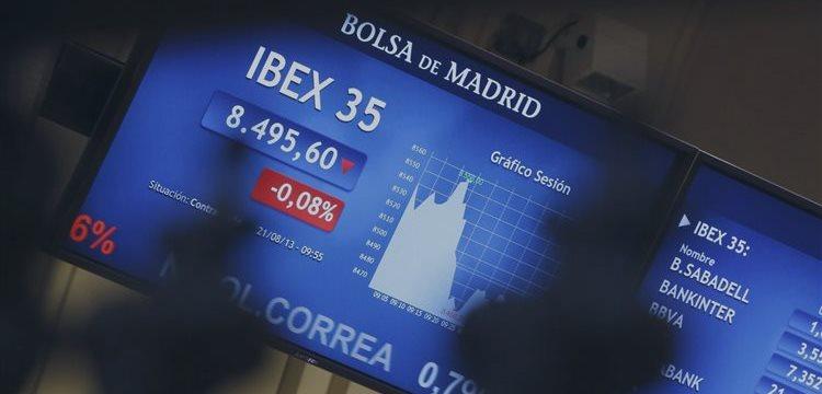 La bolsa española cae a mediodía por cautela Fed y Ucrania