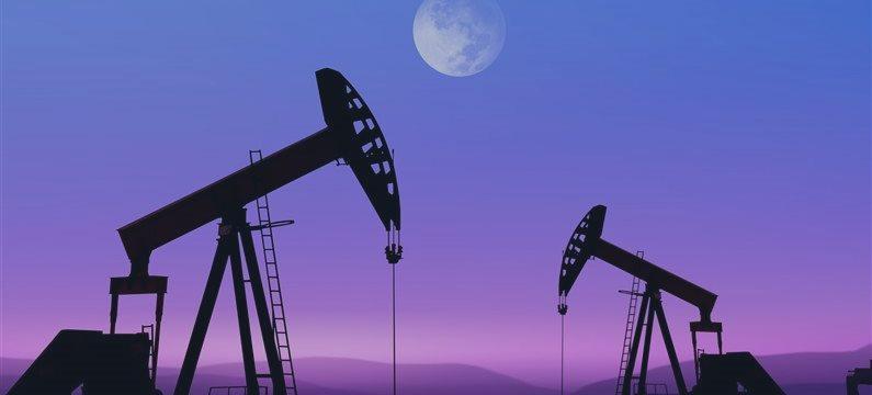 El crudo recupera por especulaciones sobre OPEP