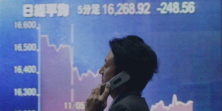 Tokio sube empujada por Wall Street y la bajada del yen
