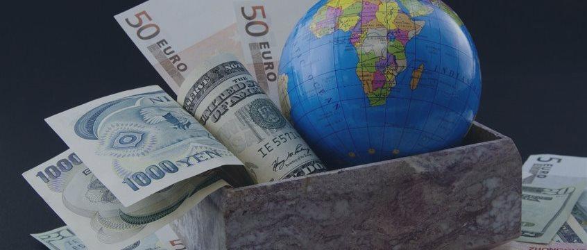 El dólar descendió frente al euro y al yen japonés durante la sesión asiática