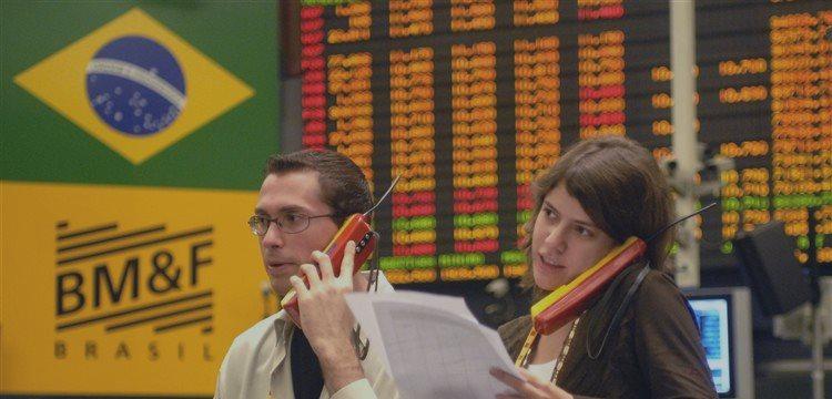 Bovespa cierra a la baja, foco en equipo económico de Rousseff