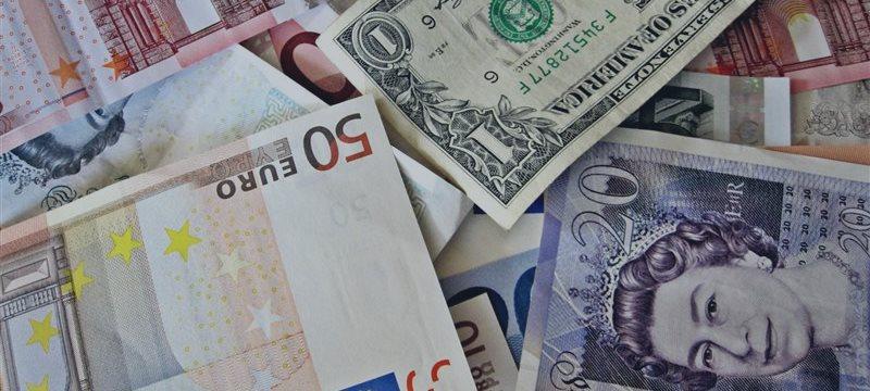 Los EUR/USD, GBP/USD aumentaron este martes durante las negociaciones europeas