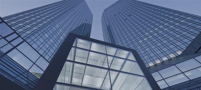 Deutsche Bank urges to go short on EURUSD