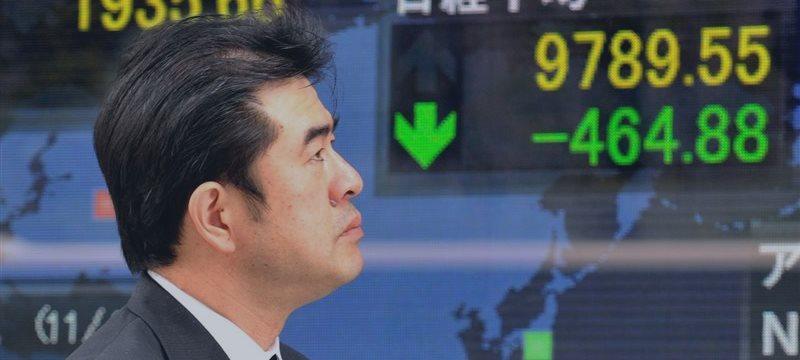 Bolsas asiáticas suben, billete verde se fortalece por el sólido PIB de Estados Unidos