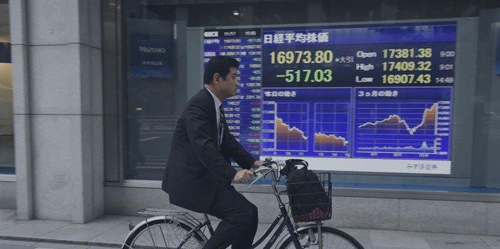 La bolsa de Tokio avanza pese a los malos datos macroeconómicos en Japón