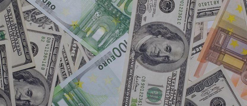 EUR / USD,  Análise Fundamental