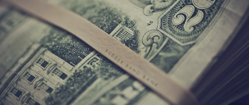 Temor com economia global eleva aversão ao risco e iene sobe ante euro e dólar