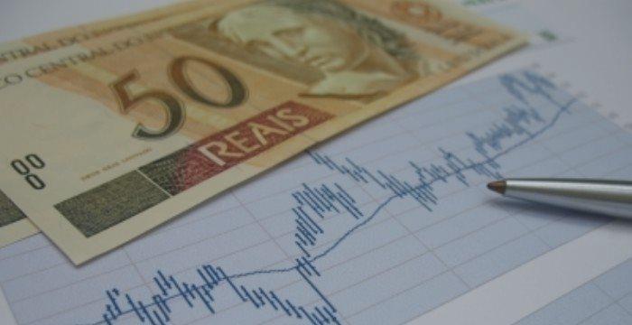 Tendências prevê inflação estourando o teto da meta em 2015