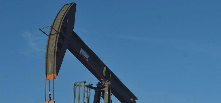Petróleo despenca em Londres e Nova York