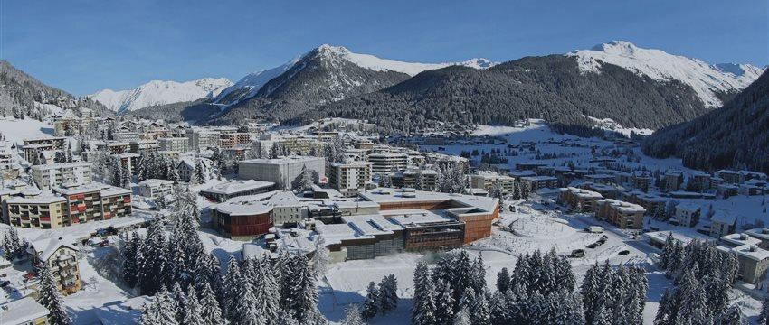 Movimentos em mercados de divisas e ameaças geopolíticas, temas Fórum Davos