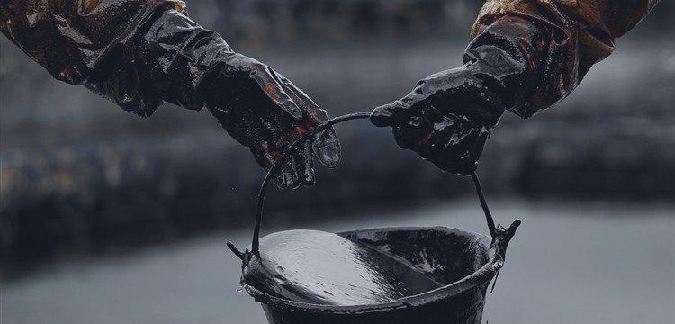 Нефтяники из-за дешевой нефти откладывают IPO