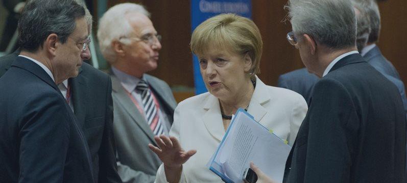 Merkel lembra a independência do BCE e insiste em seguir as reformas