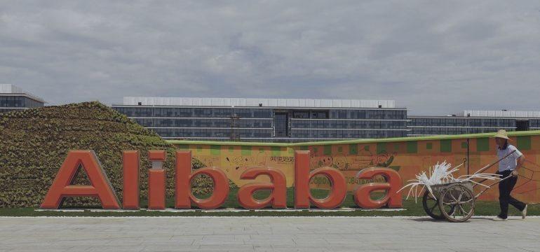 Regulador chino critica a Alibaba por actividades ilegales en sus sitios de Internet