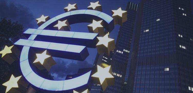 BCE bloquea financiación de los bancos griegos ¿Pánico bancario?