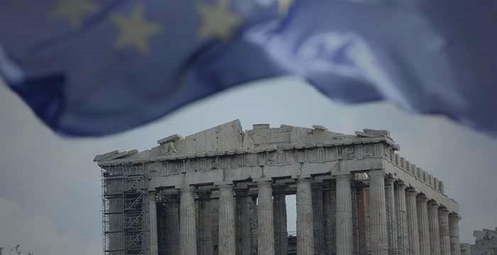 """Merkel: """"saída da Grécia da Zona Euro não está em questão"""""""