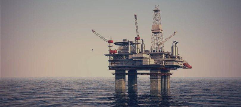 Petróleo fecha acima dos 50 dólares o barril em Nova York
