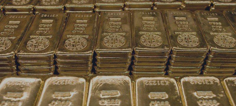 El oro, cerca de máximos de 2 semanas tras la decisión de China