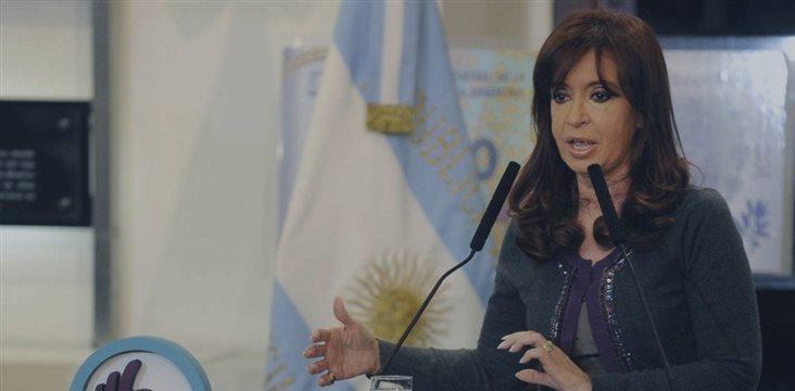 Las presiones cambiarias vuelven a agitar el fantasma de la devaluación en Argentina