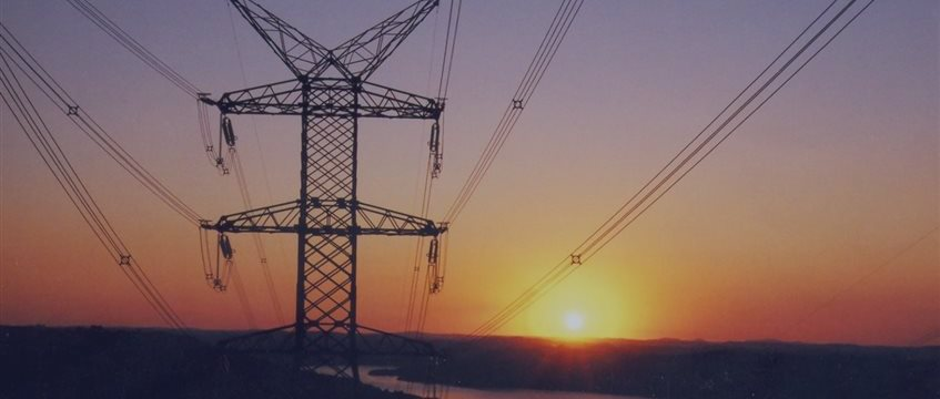 Setor elétrico terá conta extra de R$ 7 bilhões em 2015