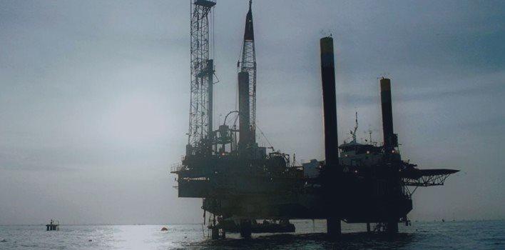 Goldman corrige previsão de 40 dólares para o barril de petróleo