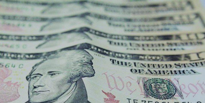Peso se deprecia y cotiza en 15.28 por dólar