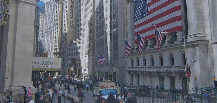 Wall Street pouco alterada a ponderar acção do Fed