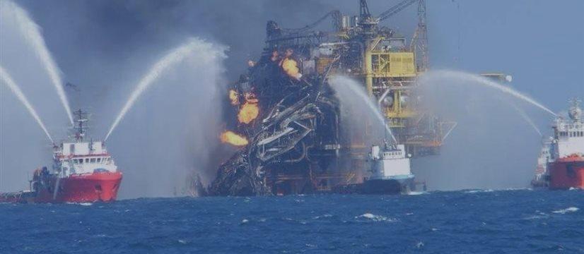 Após explosão, mexicana Pemex perde 220 milhões de barris de petróleo por dia
