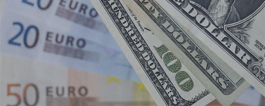 Чемпион по прогнозам: падение доллара — сигнал к покупке