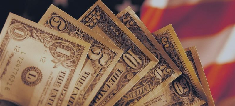 Dollar broadly supported Friday, boosted by Fed rate hike hopes