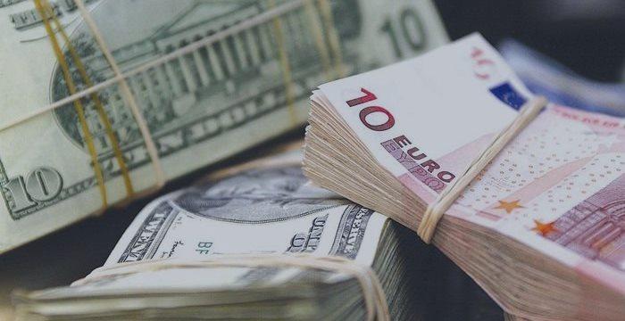 Слабеющий евро пугает немецкий средний бизнес