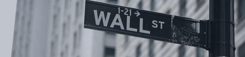 Большая тройка Уолл-стрит в понедельник снизилась