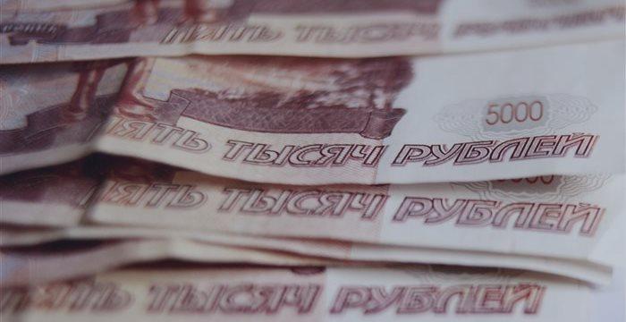 Рубль дорожает после волатильного начала торгов во вторник