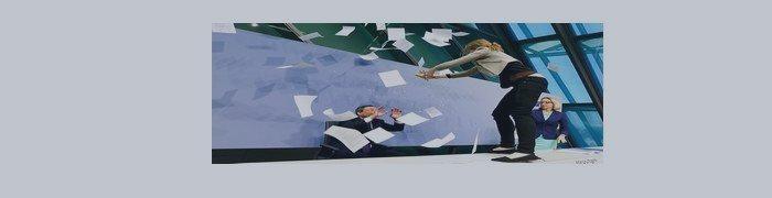 La chica saltó sobre la mesa del BCE durante la conferencia de prensa!
