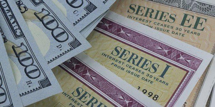 Япония стала крупнейшим иностранным держателем казначейских облигаций США