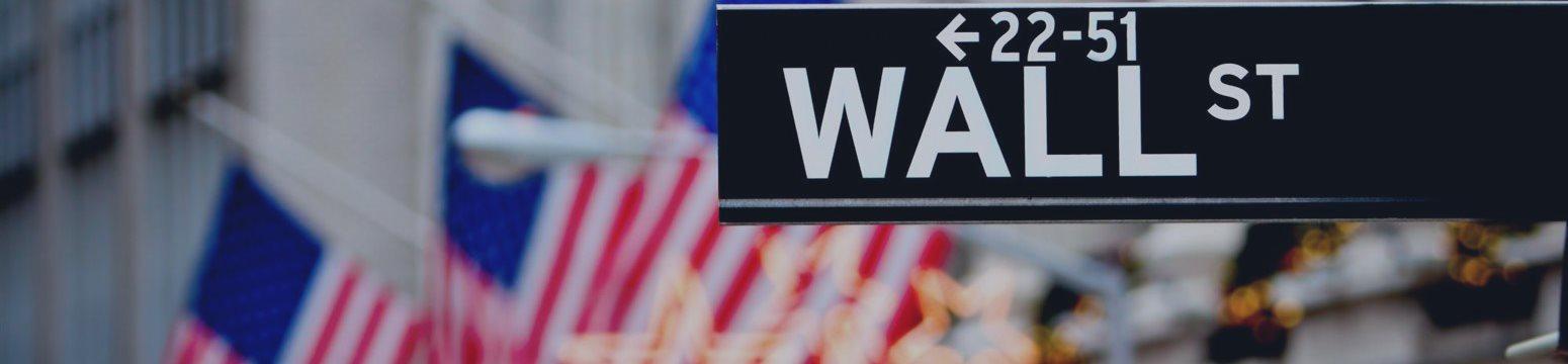 Акции Уолл-стрит сильно подешевели в пятницу