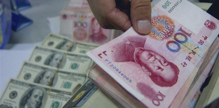 中国股市与经济正呈现一半海水一半火焰奇幻画面