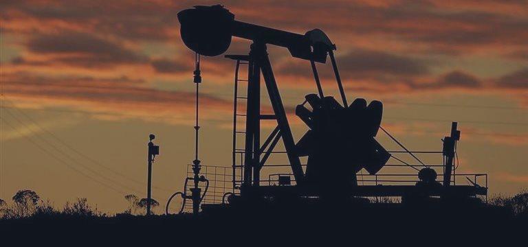 Nymex原油价格和布伦特原油的价格的差距在拉大