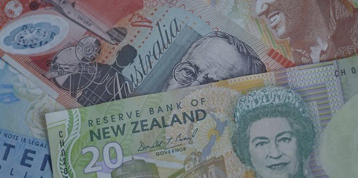 Aussie at 1-month high vs greenback; Kiwi slips but losses limited