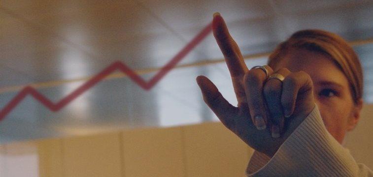 沪指大跌超2%破4200点 市场分析仍抱牛市不改