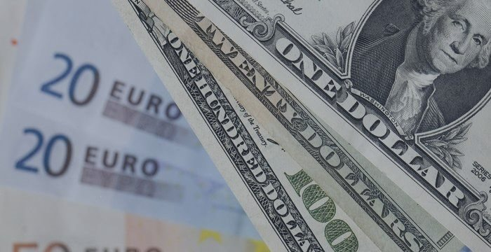 EUR/USD: доллар падает из-за плохих отчетов по занятости