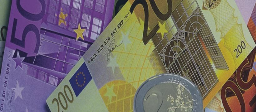 Opinion: Germany fights on two fronts to preserve the eurozone