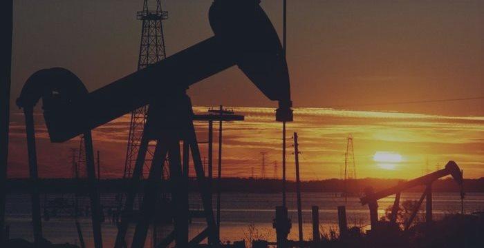 В пятницу утром нефть снова упала до $65,3 за баррель