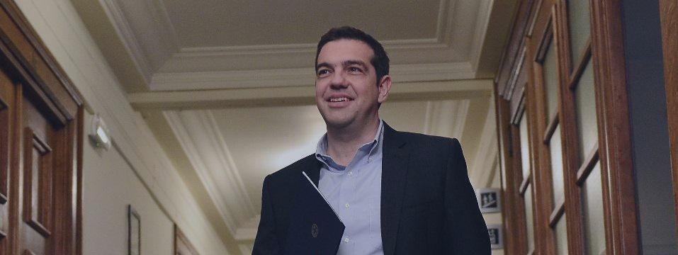 Zona do euro pede 'mais esforços' à Grécia; Atenas paga ao FMI