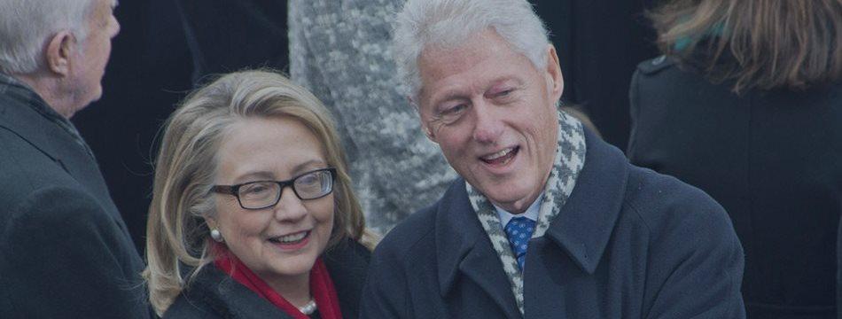 克林顿夫妇16个月演讲赚取3000万美元