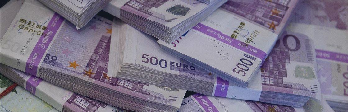 EUR/USD: евро продолжает снижение, на него давят заявления ЕЦБ и действия греческих кредиторов