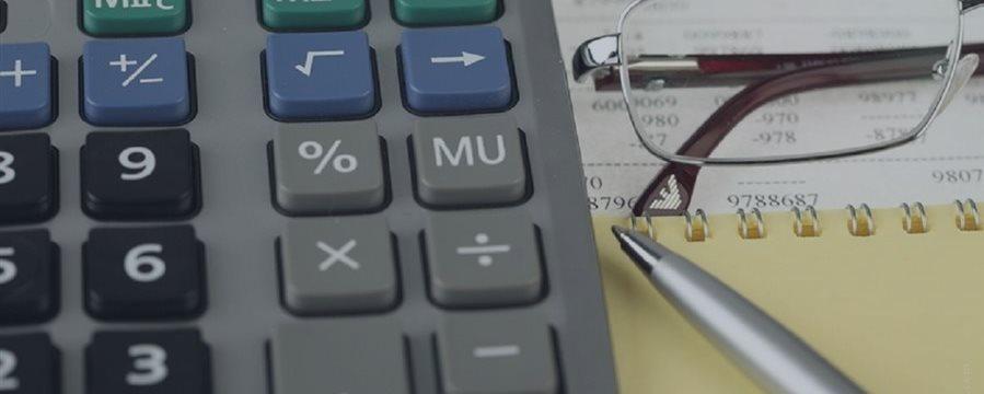 Juro médio no crédito livre sobe para 41,8% ao ano em abril, diz BC